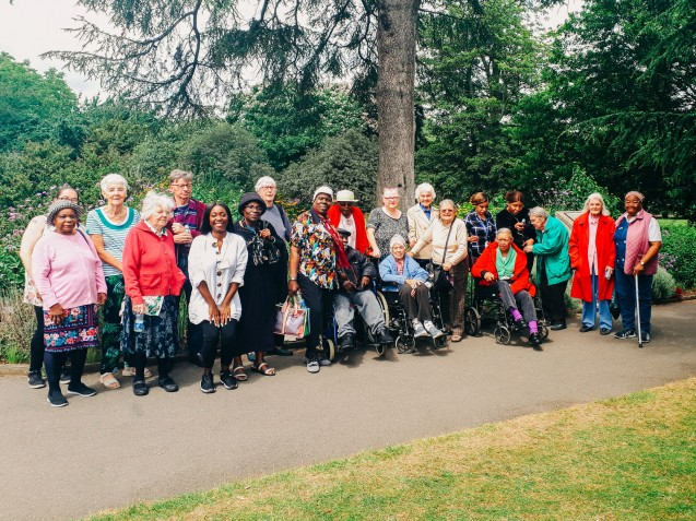 ECT's Transport Fund helps local group experience calming effect of nature at Kew Gardens image