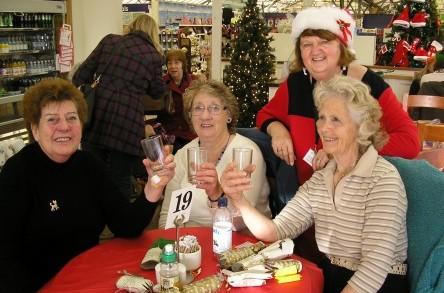 Dorset community bus service spreads Christmas cheer image