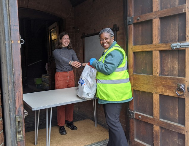 Who needs Deliveroo when you've got ECT? Providing emergency food to people in crisis image