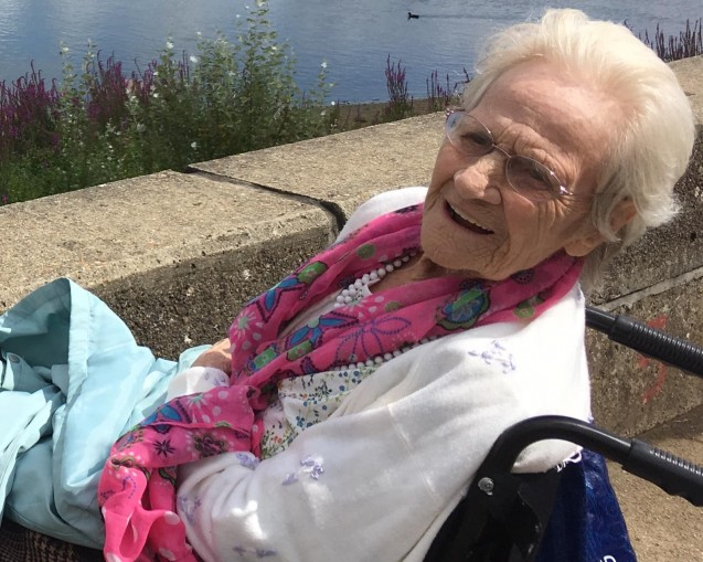 Happy 100th! ECT helps make birthday wishes come true for Ealing great-grandmother image